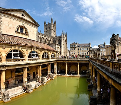 Roman_Baths_in_Bath_Spa, _England_-_July_2006