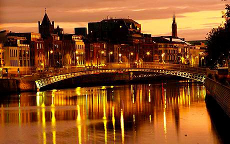Ireland Dublin, cityscape at dusk