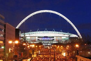 Wembley_Stadium,_illuminated wiki