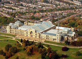 800px-Alexandra_Palace_from_air_2009_(cropped)